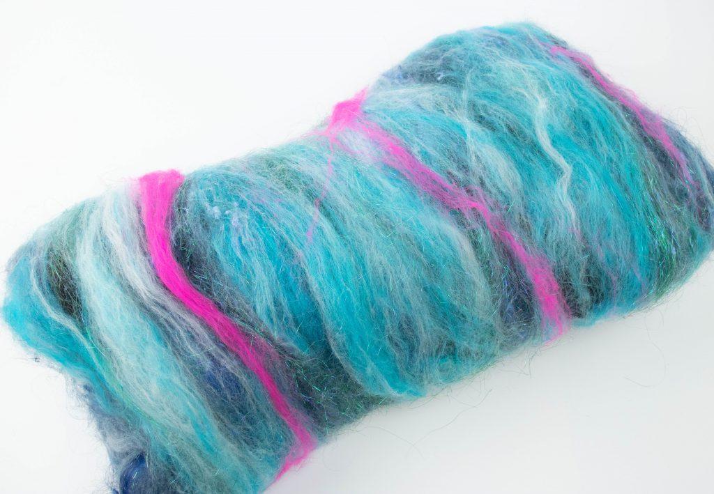 Turquoise fiber spinning batt